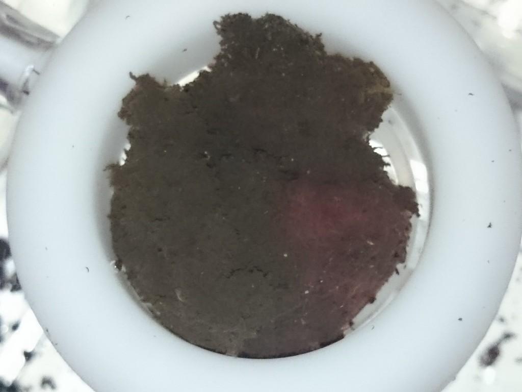 収穫したイトメの泥との分離方法